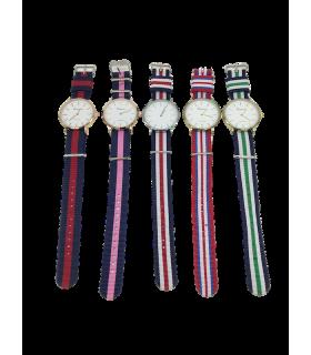 Kell naiste triibulise riidest rihmaga